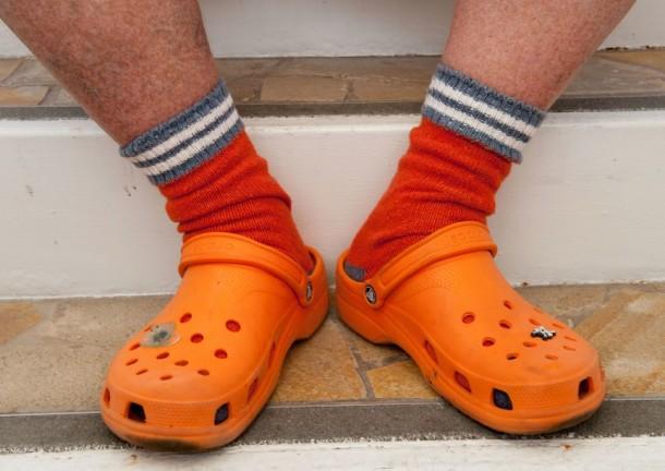 orange-crocs-864x612